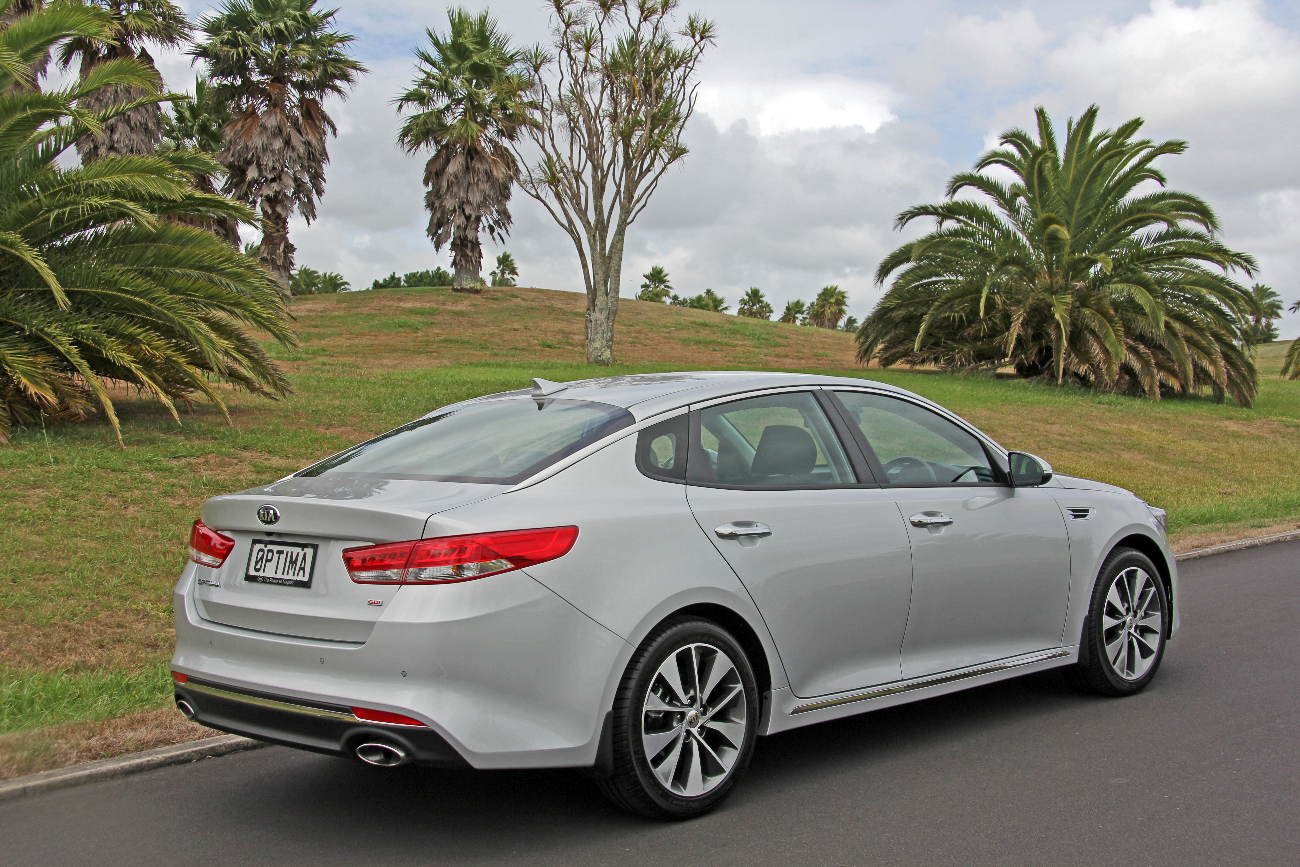 Kia Special Offers >> New Kia Optima: More space, luxury & safety · New SUVs & Cars, Special Offers | Kia New Zealand